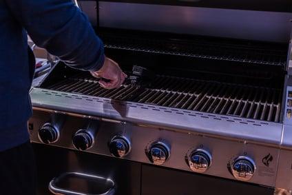 Enders Gasgrill Reinigen : Start der grillsaison: so bereitest du deinen gasgrill vor!